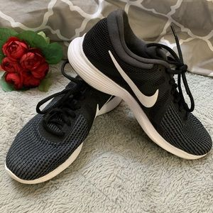 Nike Black mesh sneakers